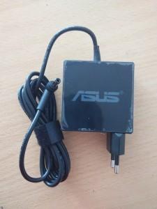 Jual charger, adaptor laptop asus 19V 3.42A new model, kotak yogyakarta