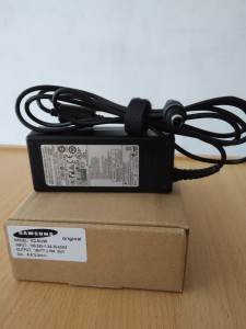 Jual charger adaptor Samsung 19V 3.16A Original Yogyakarta