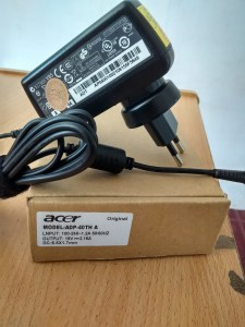 Jual charger adaptor laptop acer 19V 2.15A original yogyakarta
